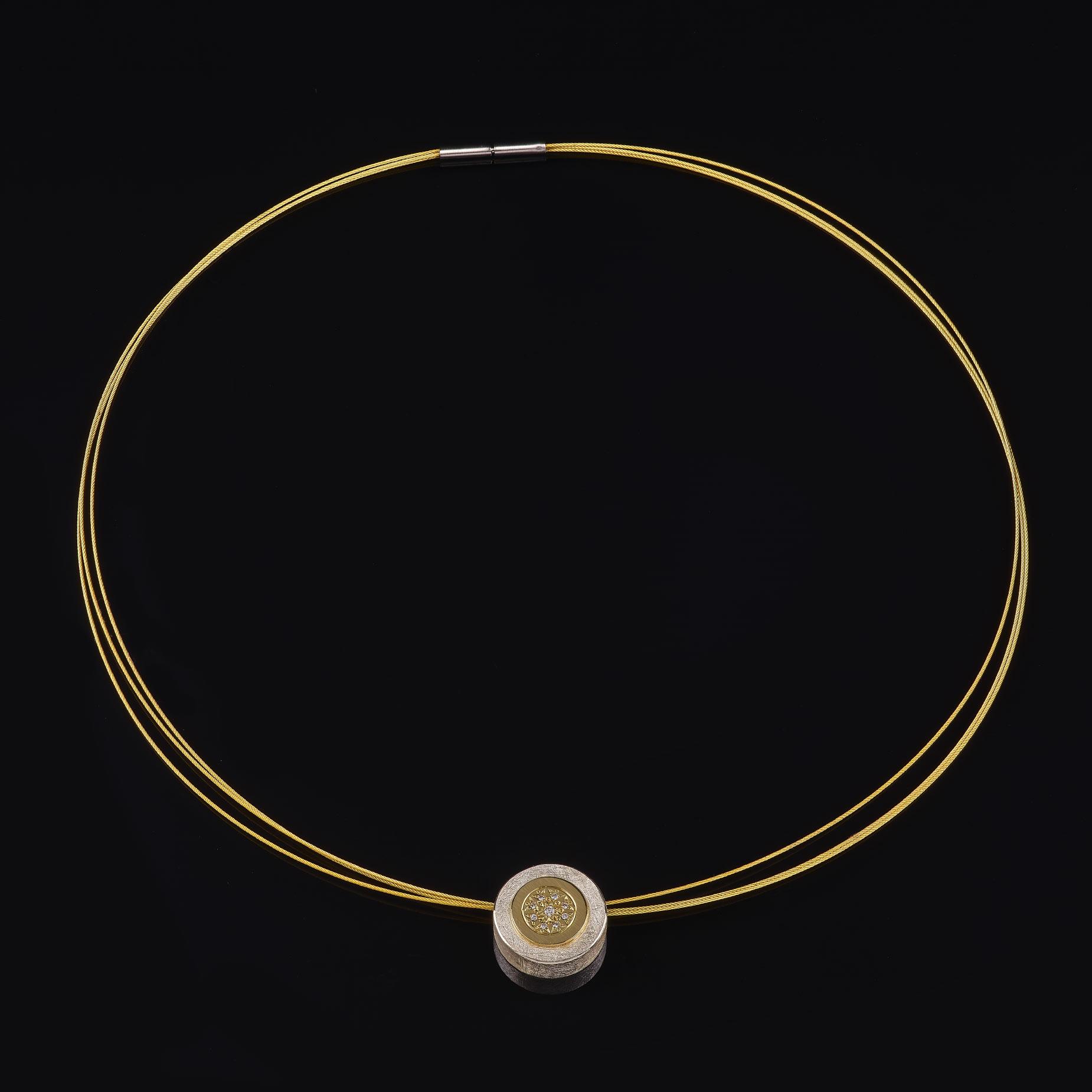Reif mit Anhänger, 925/000 Silber, 750/000 Gelbgold, Brillanten